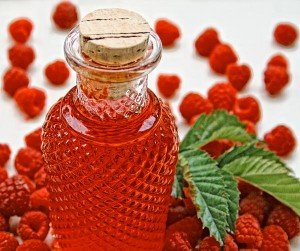 1384347212_RaspberryLiqueur3_edit_web